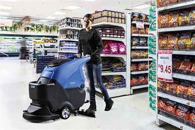 超市自动扫地机