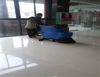浅谈柳州手推式洗地机广泛应用的原因!